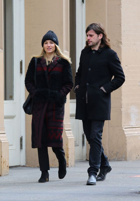 Dianna Agron and Winston Marshall Walk Together in New York 01/09/2019