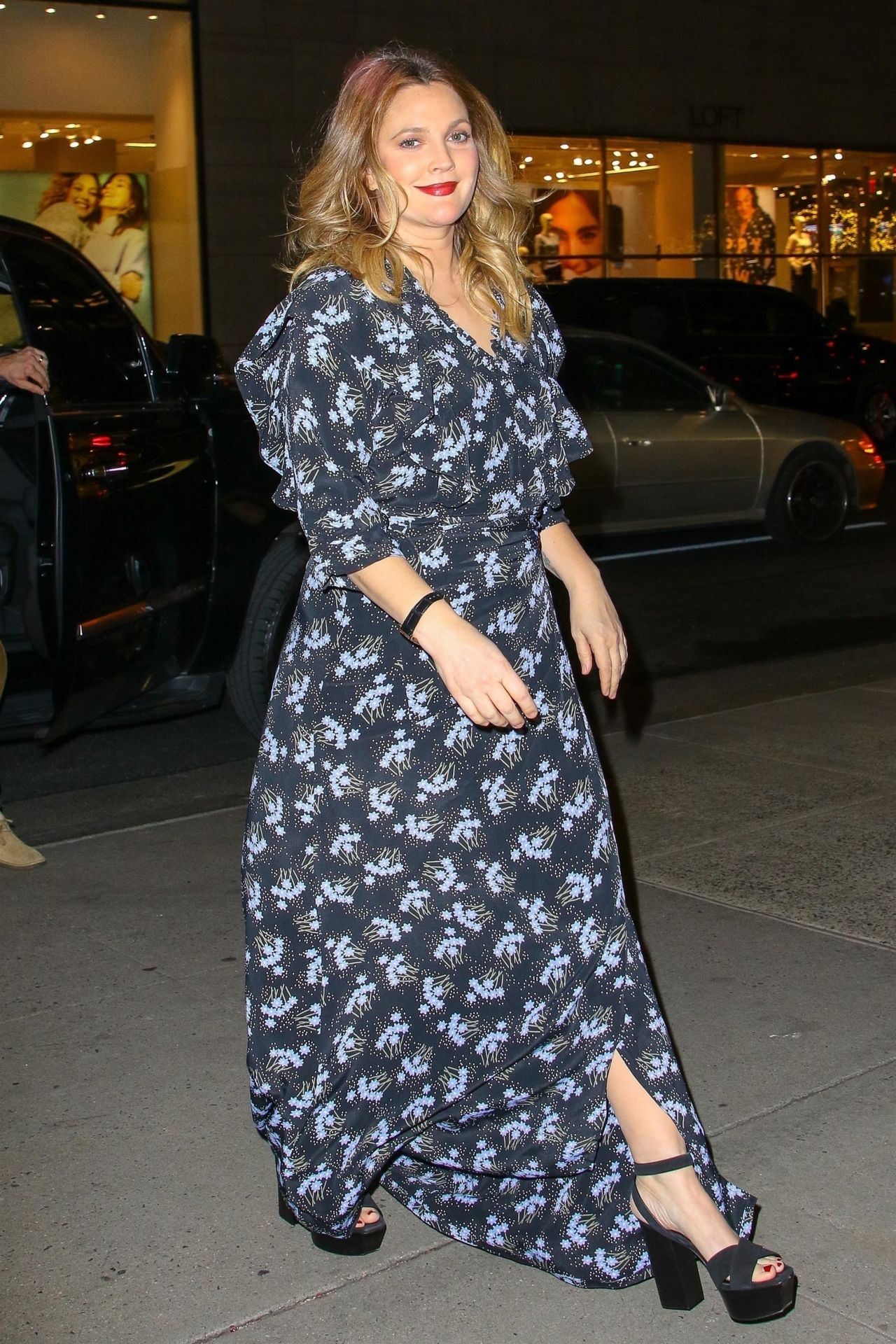 Drew Barrymore Latest News Photos and Videos