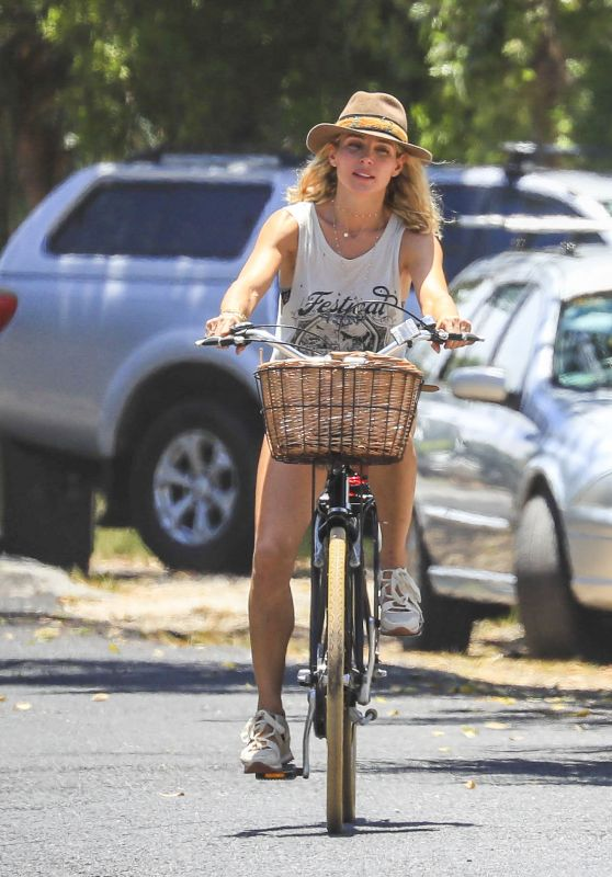 Elsa Pataky - Riding Her Bicycle in Byron Bay 01/08/2019