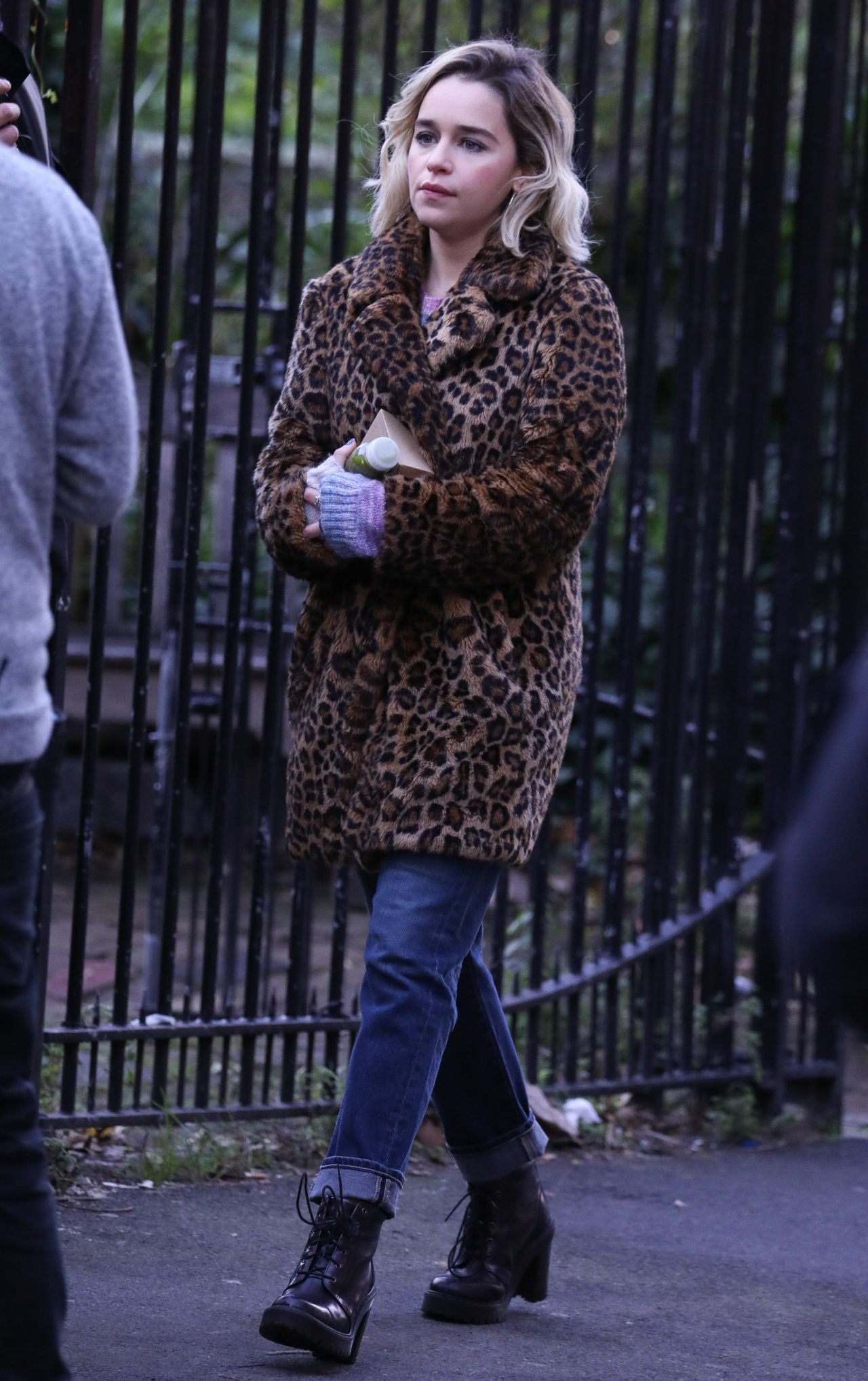 """Filming In Progress The Most Beautiful Actress In The World: """"Last Christmas"""" Filming In London 01/08/2019"""