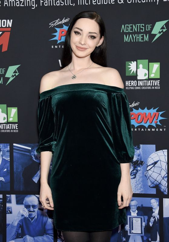 Emma Dumont – Stan Lee Tribute 01/30/2019