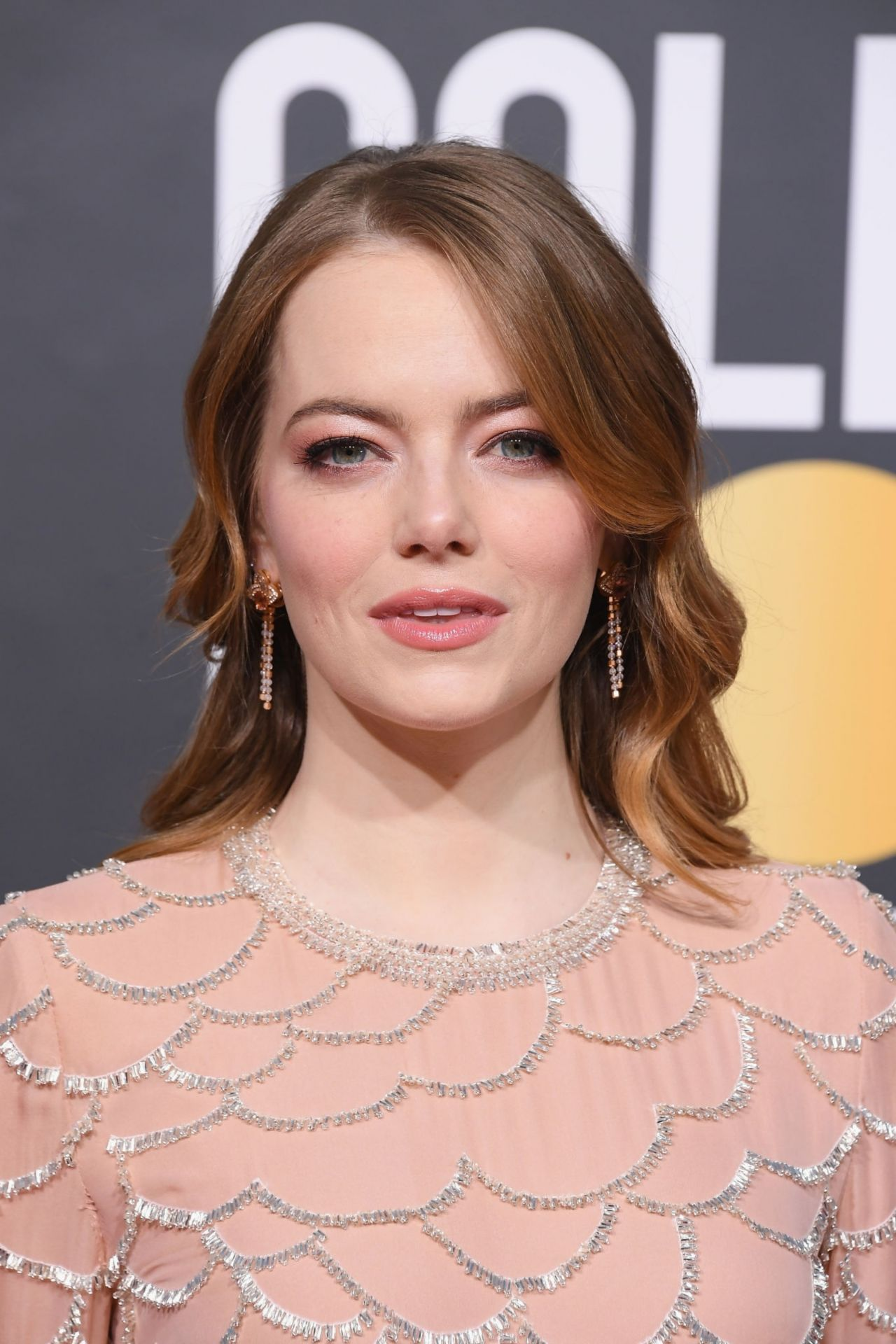 Emma Stone – 2019 Golden Globe Awards Red Carpet