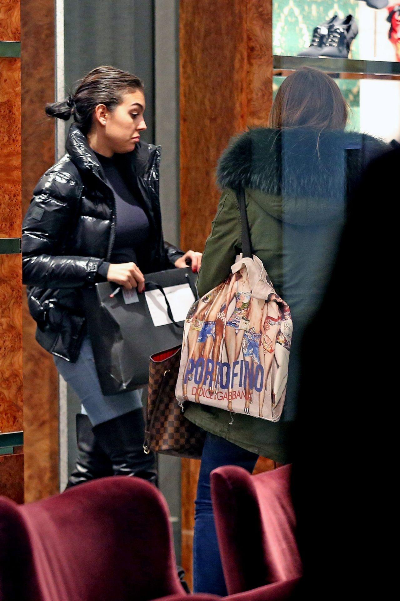 Georgina Rodriguez Shopping In Milan 01 02 2019