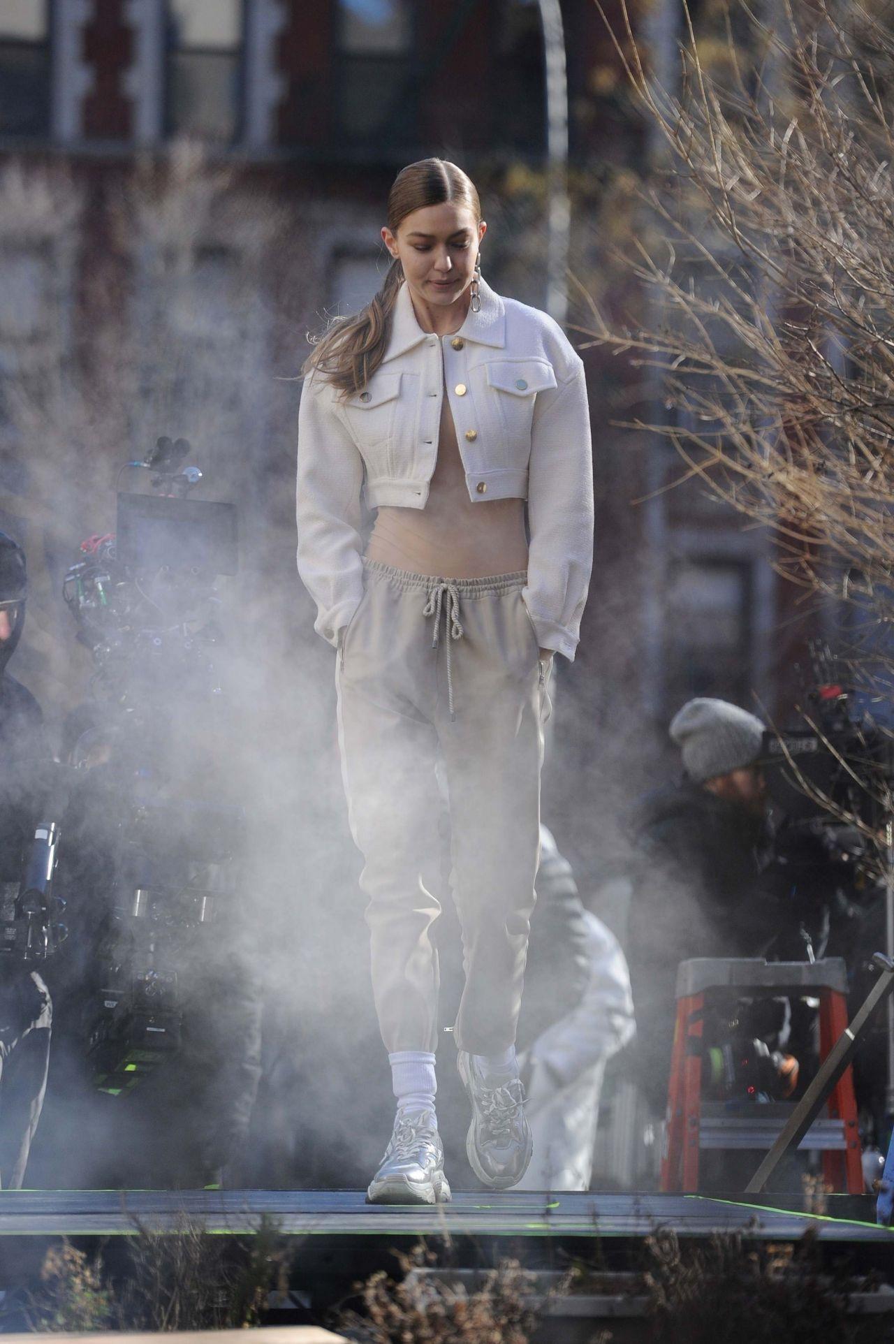 Gigi Hadid Photoshoot Nyc 17 Bailee Madison Anthem Teenage Prophet