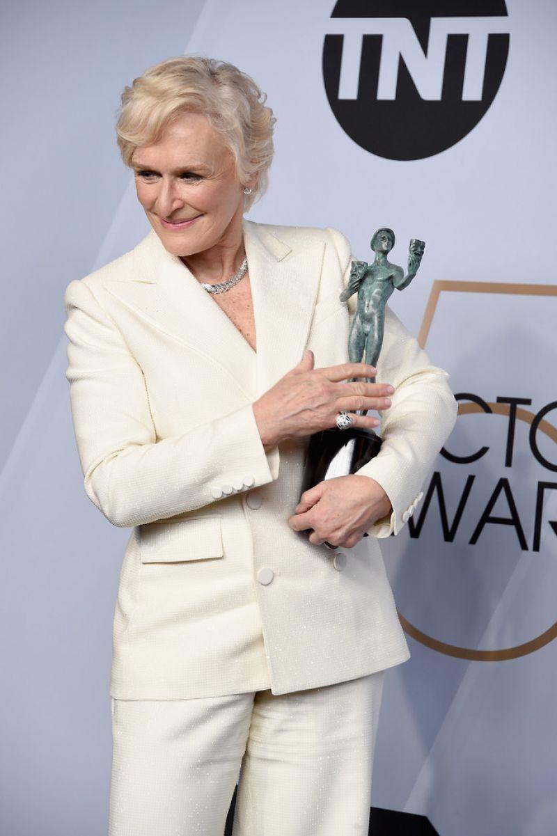 https://celebmafia.com/wp-content/uploads/2019/01/glenn-close-2019-sag-awards-2.jpg