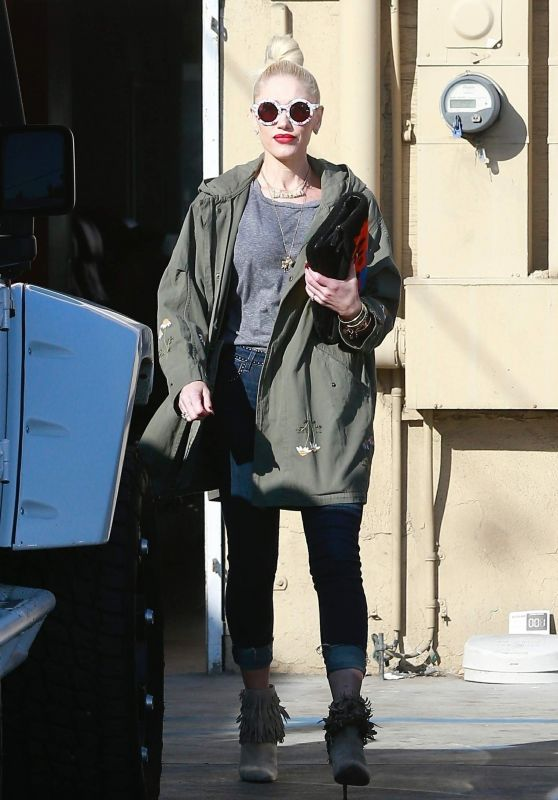 Gwen Stefani in Casual Outfit - Out in Los Angeles 01/10/2019
