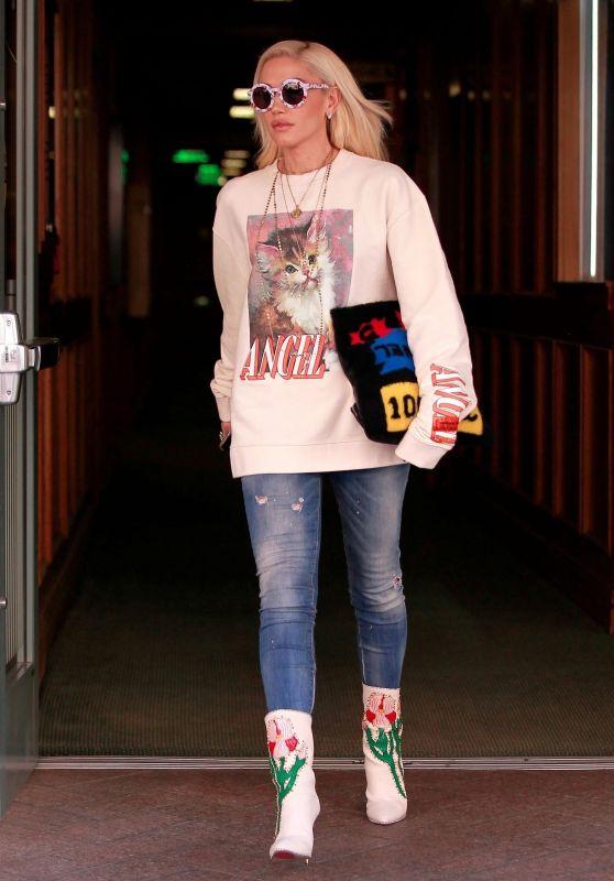 Gwen Stefani Street Style 01/23/2019