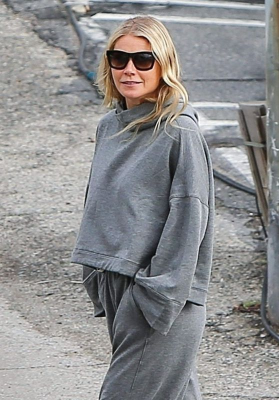 Gwyneth Paltrow in Grey Sweats - Out in Brentwood 01/13/2019