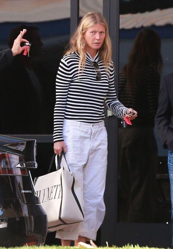 Gwyneth Paltrow Street Style 01/21/2019