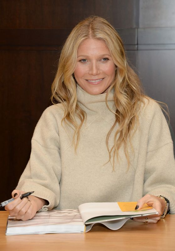 """Gwyneth Paltrow - """"The Clean Plate Eat, Reset, Heal"""" Book Signing in LA 01/14/2019"""