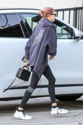 Hailey Rhode Bieber - Arrives to the Gym in LA 01/19/2019