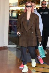 Hailey Rhode Bieber Shows Off Her New Hair Color 01/11/2019