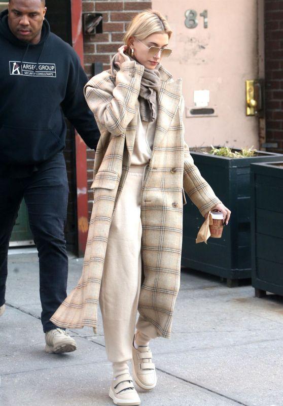 Hailey Rhode Bieber Winter Street Fashion 01/30/2019