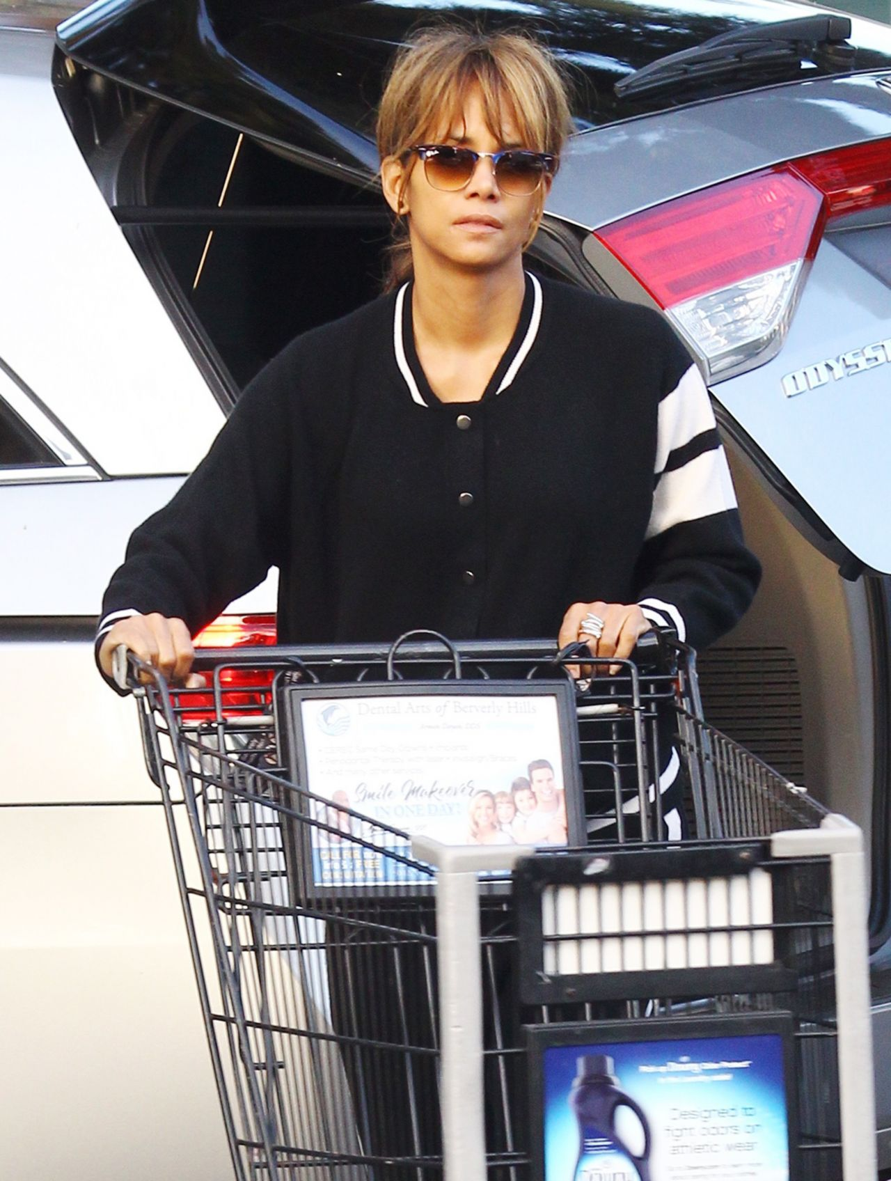 Halle Berry Shopping In Beverly Hills 01032019