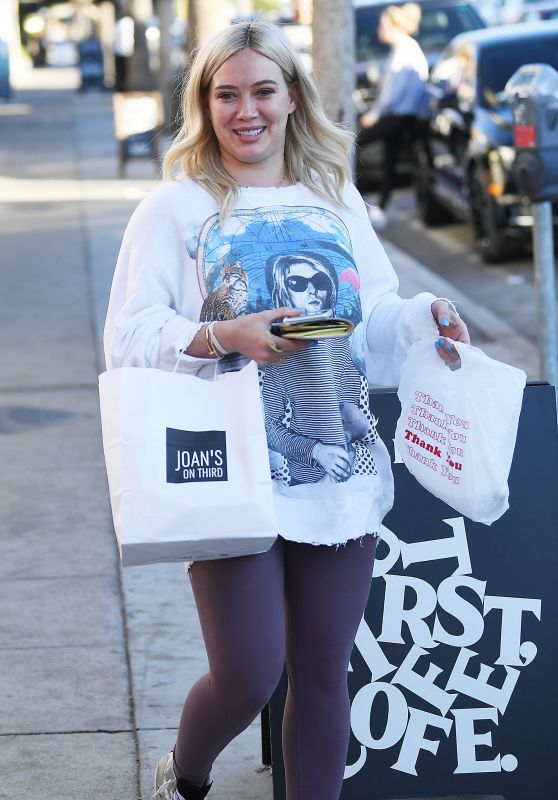 Hilary Duff - Grab Dinner and Ice Cream to-go in Studio City 01/25/2019