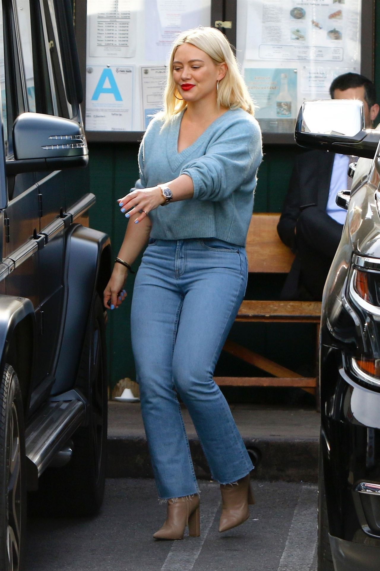 Style Street 01/28/2019 Hilary Duff