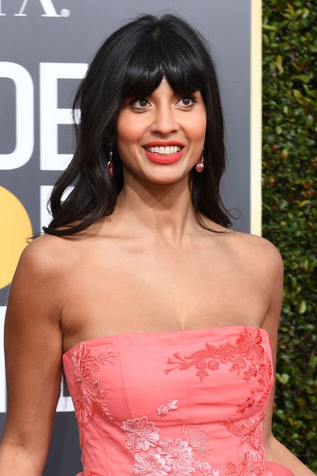 Jameela Jamil Kleid