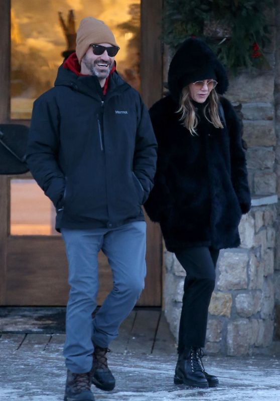 Jennifer Aniston With Jason Bateman and Jimmy Kimmel in Jackson Hole 01/02/2019