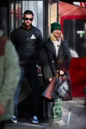 Jennifer Lawrence Street Fashion 01/29/2019