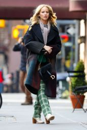 Jennifer Lawrence Street Fashion 01/29/2019