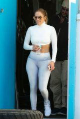 Jennifer Lopez in Leggings 01/19/2019