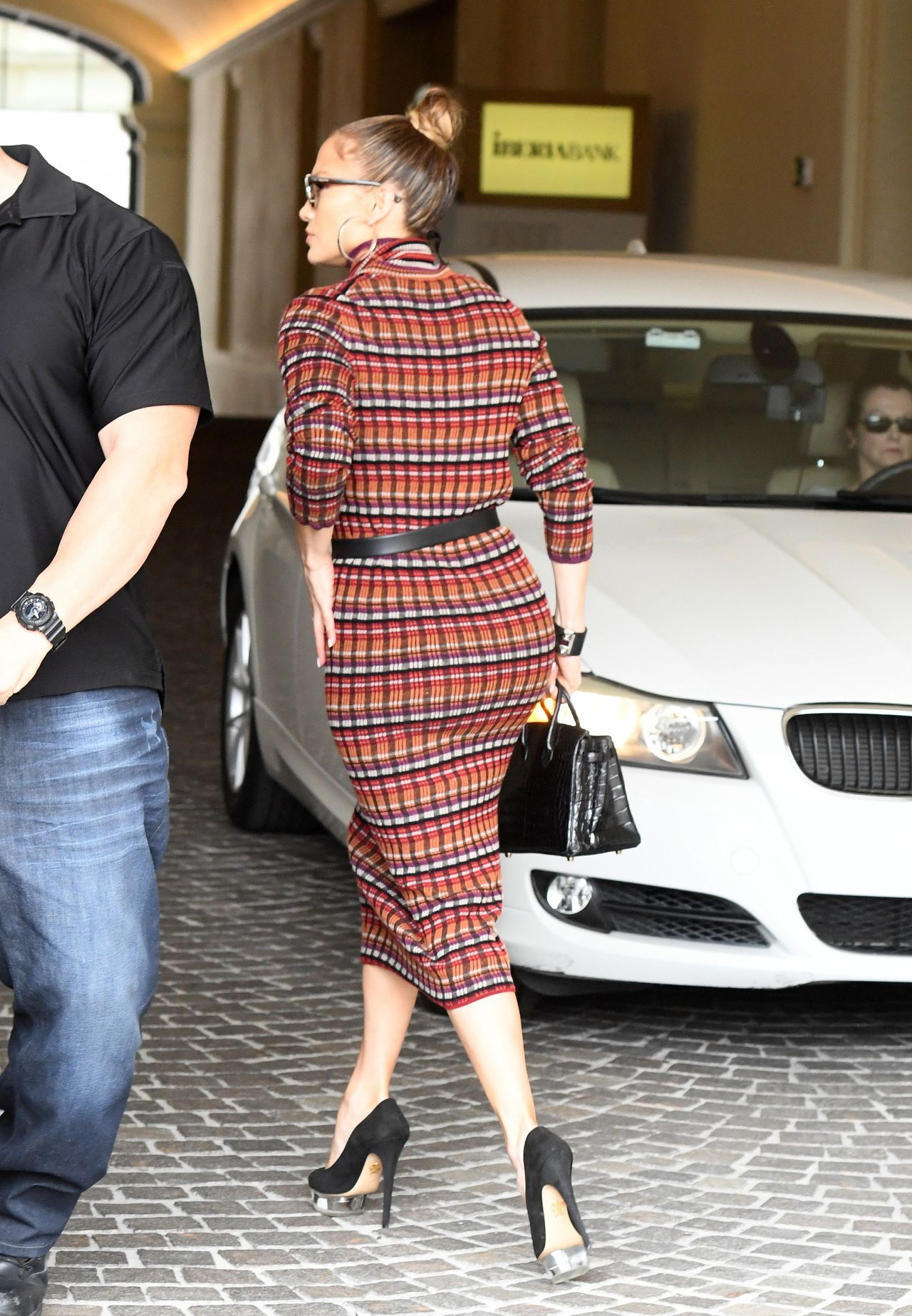 Jennifer Lopez Is Stylish 01 25 2019