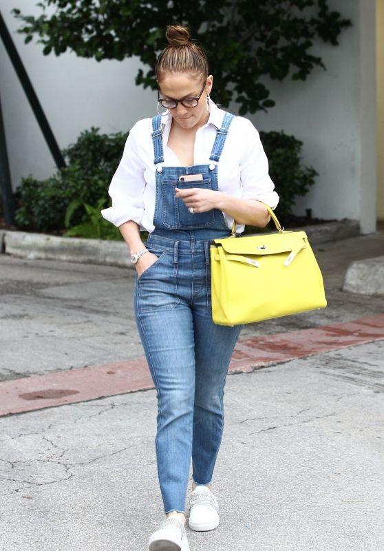 Jennifer Lopez Street Style 01/27/2019
