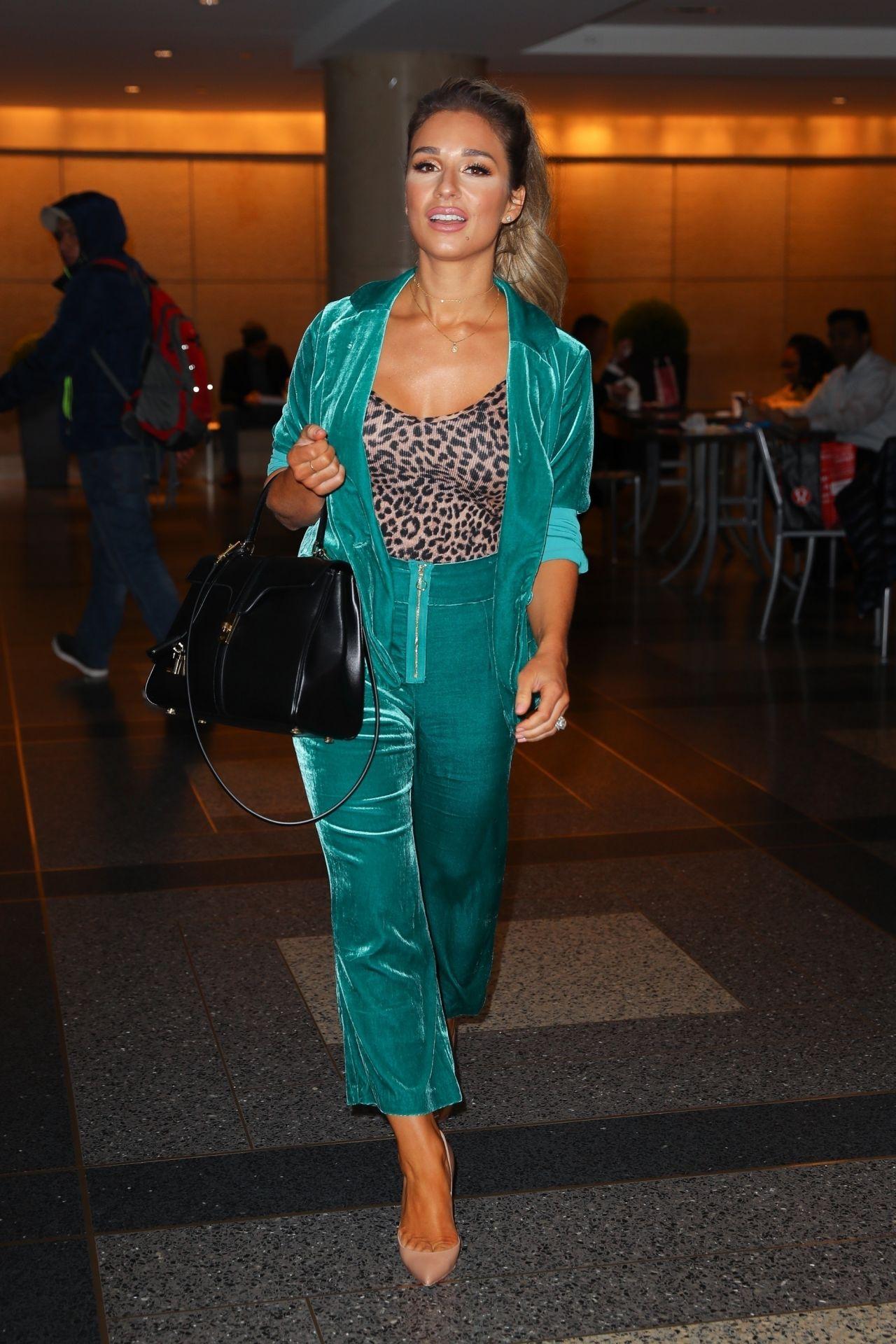 Jessie James Decker Night Out Style 01/09/2019
