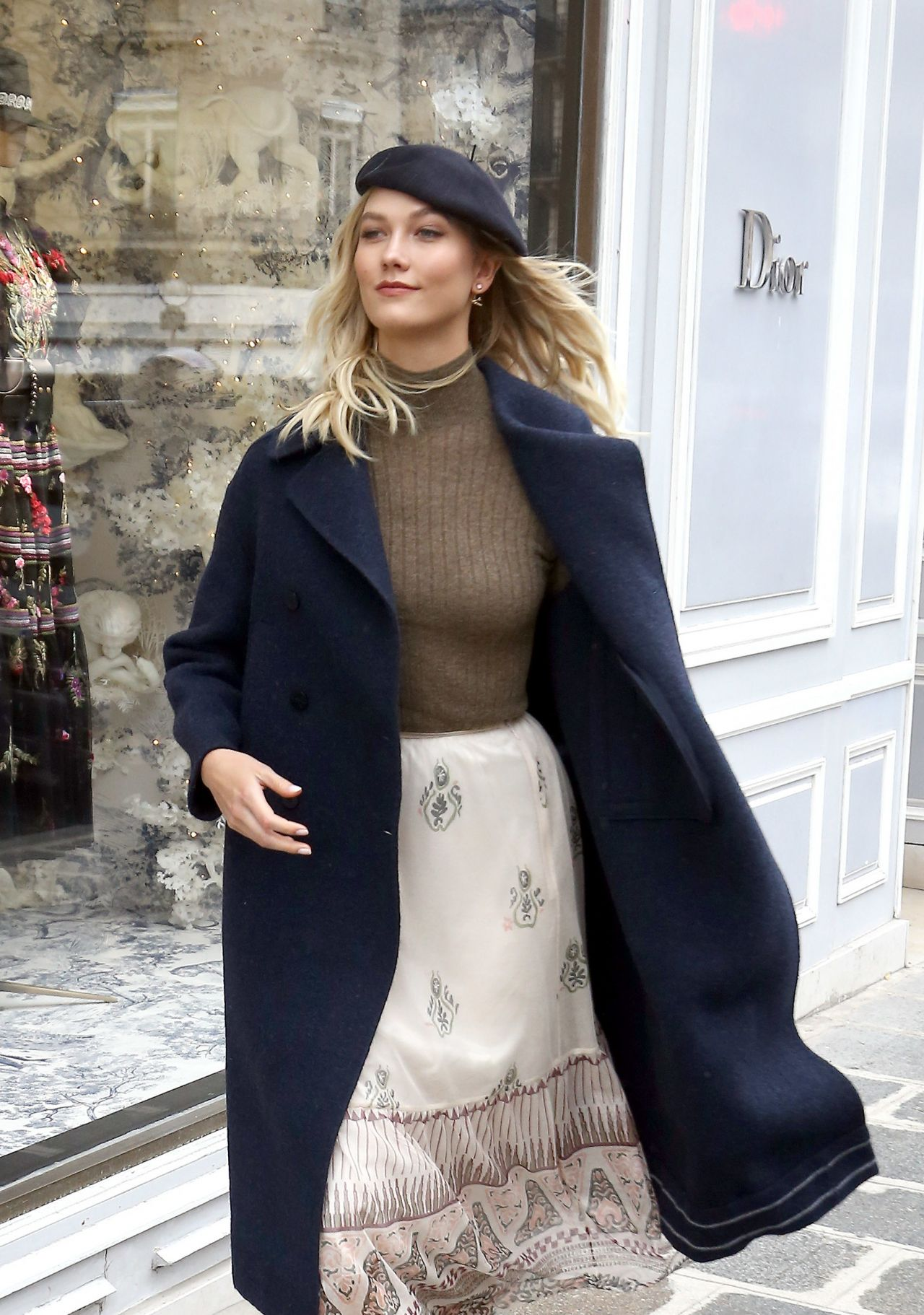 19 Stylish Fall Outfits Worth Copying: Karlie Kloss Style And Fashion 01/19/2019