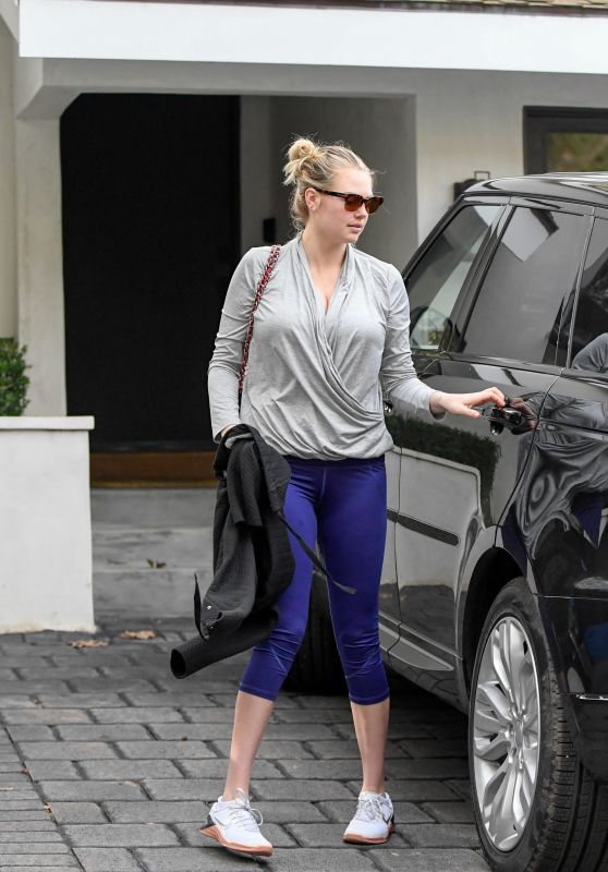 Kate Upton in Leggings 01/23/2019