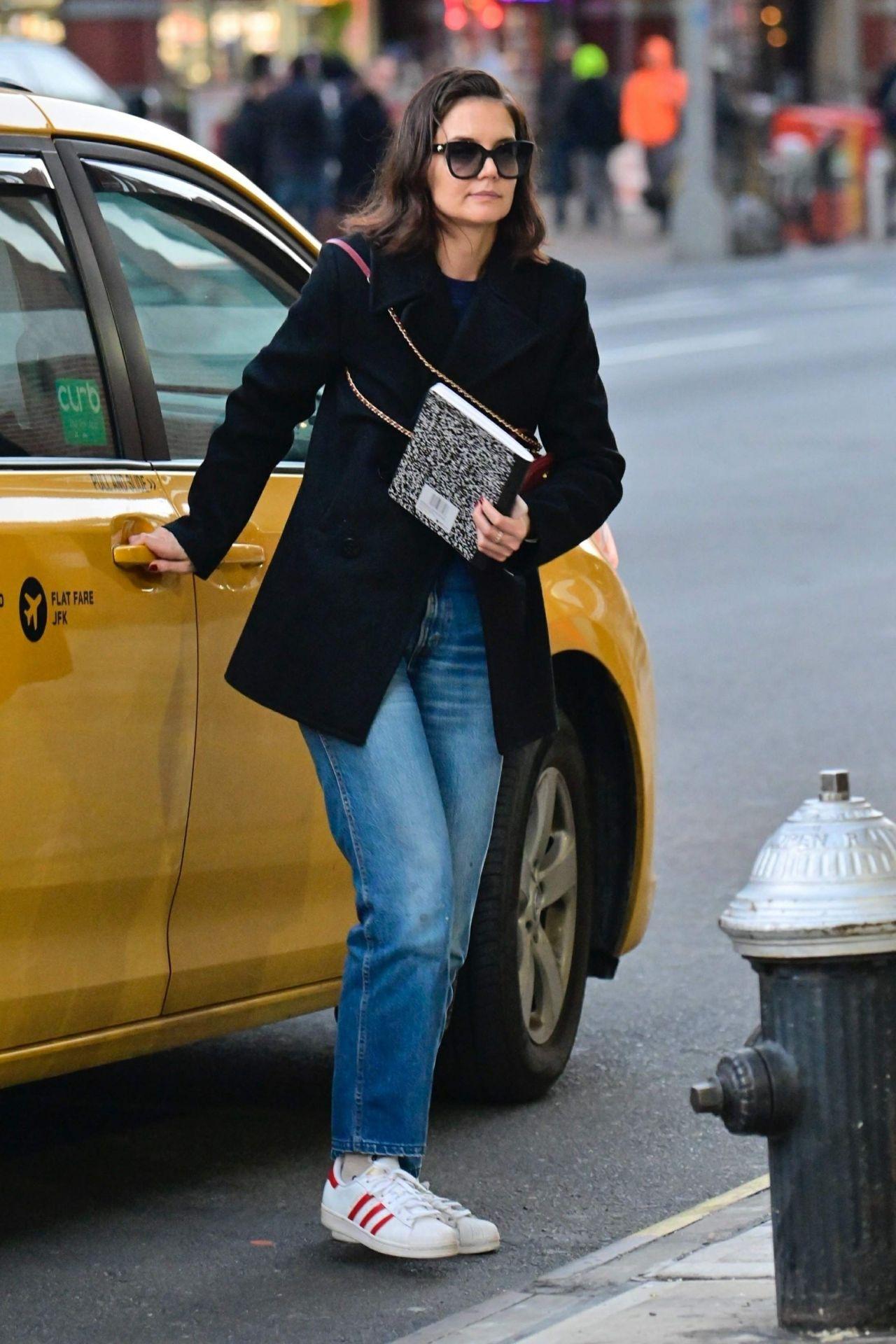 Katie Holmes Out In Manhattan 01142019