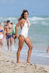 Kelly Bensimon in Bikini 01/02/2018
