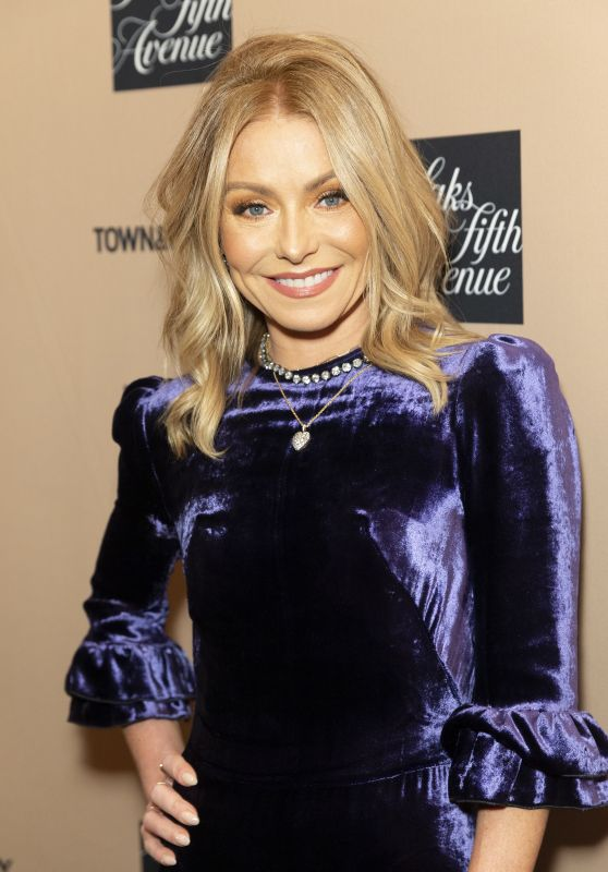 Kelly Ripa – 2019 Town & Country Jewelry Award