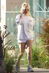 Kesha Leggy in Shorts 01/27/2019