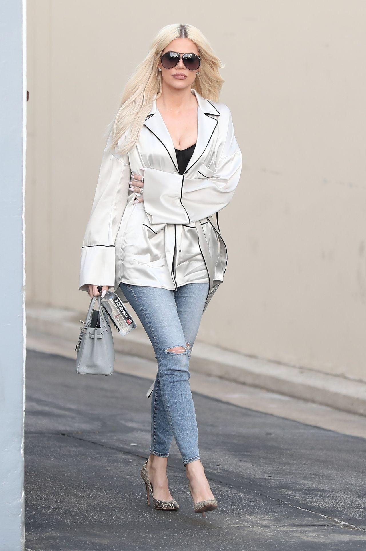 Khloe Kardashian - Leaving a Studio in Calabasas 01/09/2019