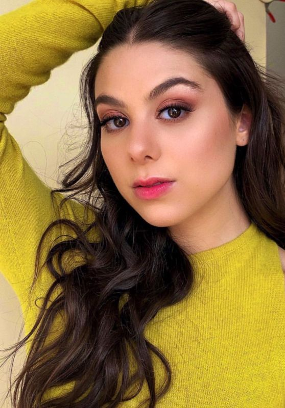 Kira Kosarin - Personal Pics and Video 01/31/2019