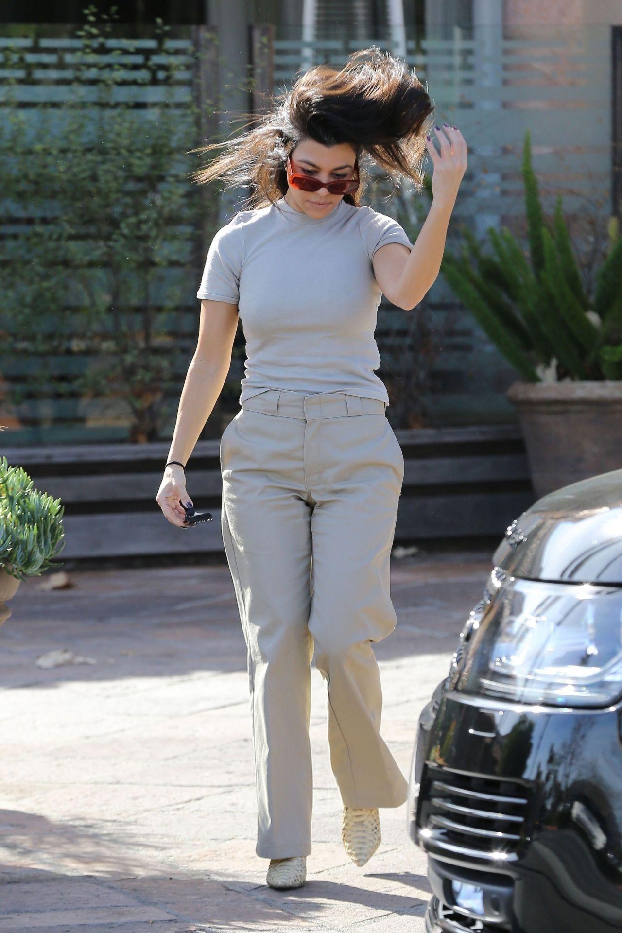 Kourtney Kardashian In Chic Outfit 01 27 2019
