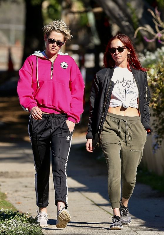 Kristen Stewart and Sara Dinkin - Out For a Morning Hike in Los Feliz 01/09/2019