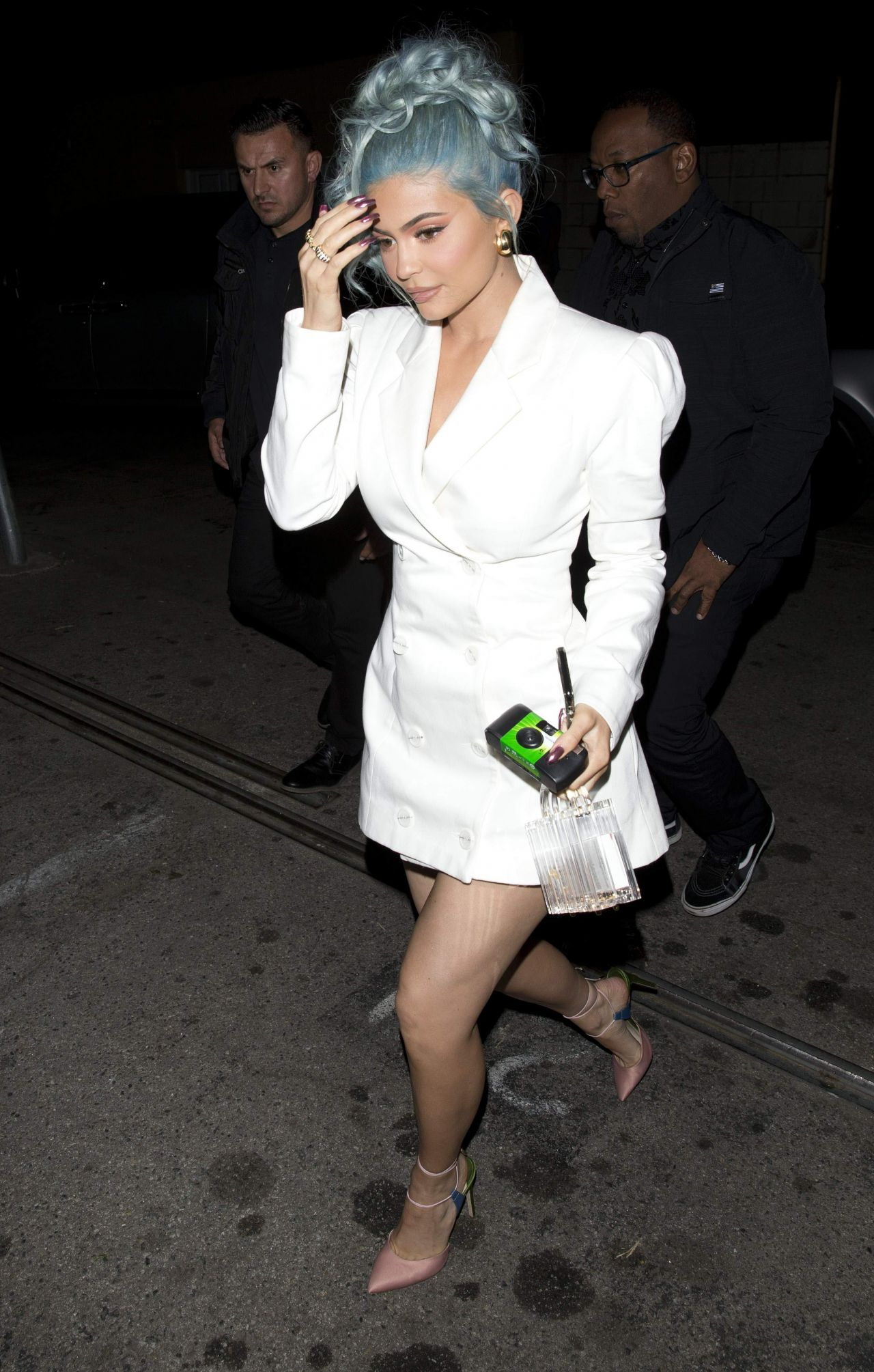 Kylie Jenner Heads To Craig S In West Hollywood 12 31 2018