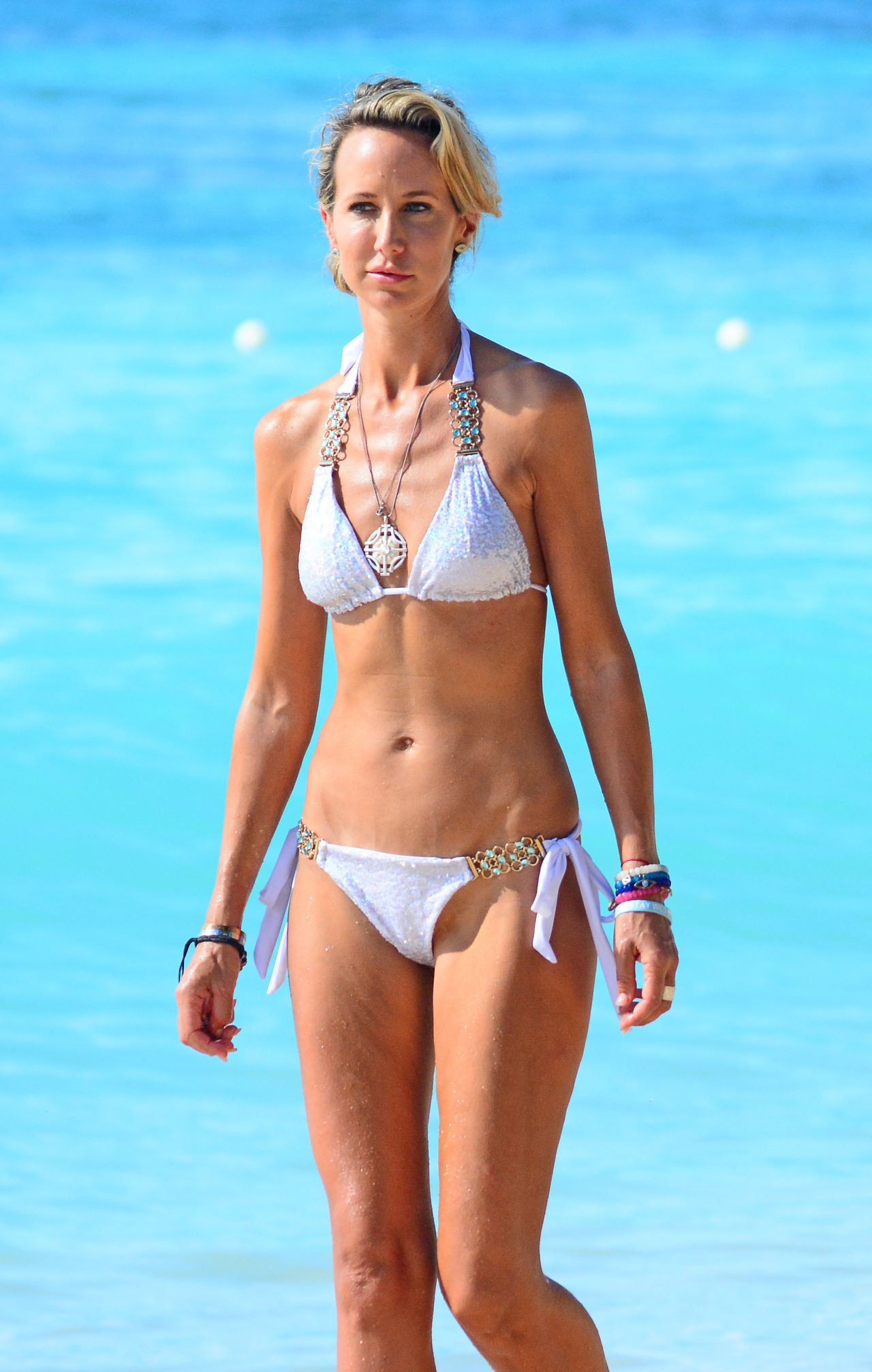 Lady Victoria Hervey In Bikini On The Beach In Barbados 01