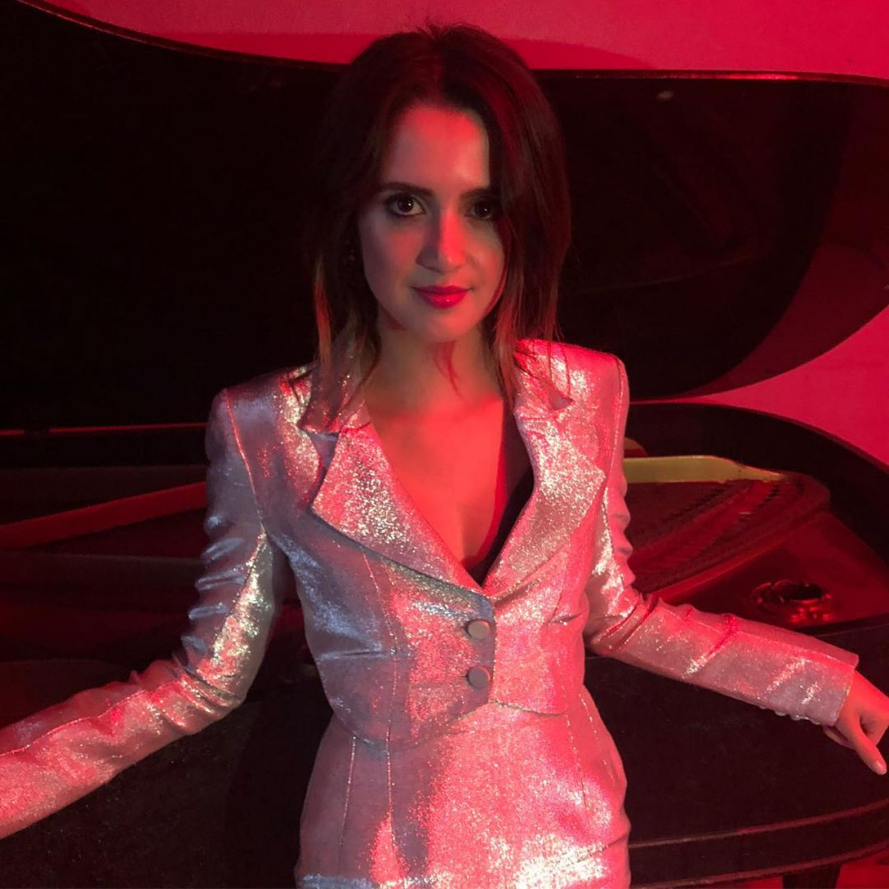 "Laura Marano – ""Let me cry"" Music Promos 2019"