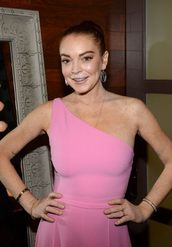 Lindsay Lohan - Backstage at the Rachael Ray Show in NYC 01/08/2019