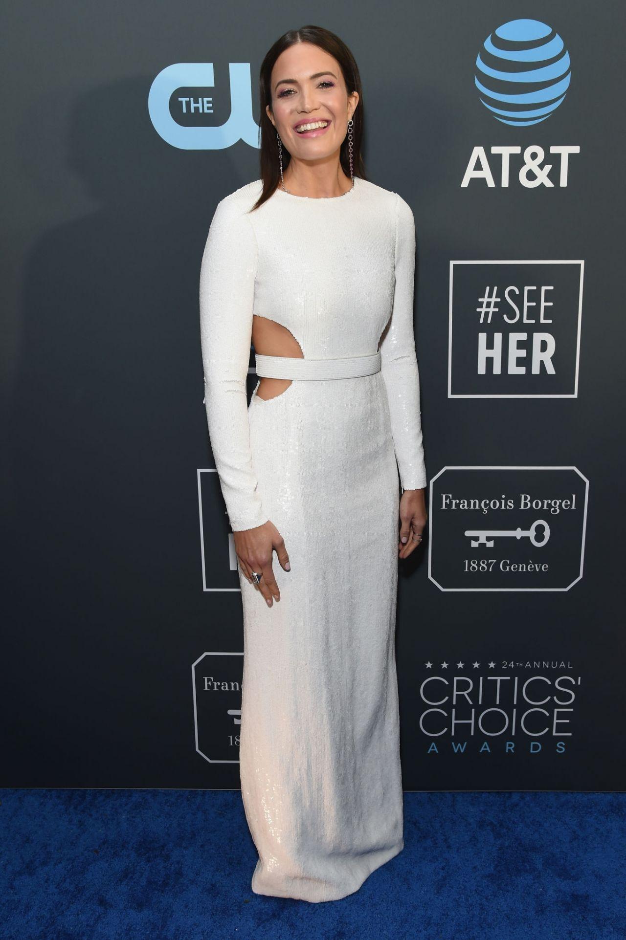 Mandy Moore 2019 Critics Choice Awards