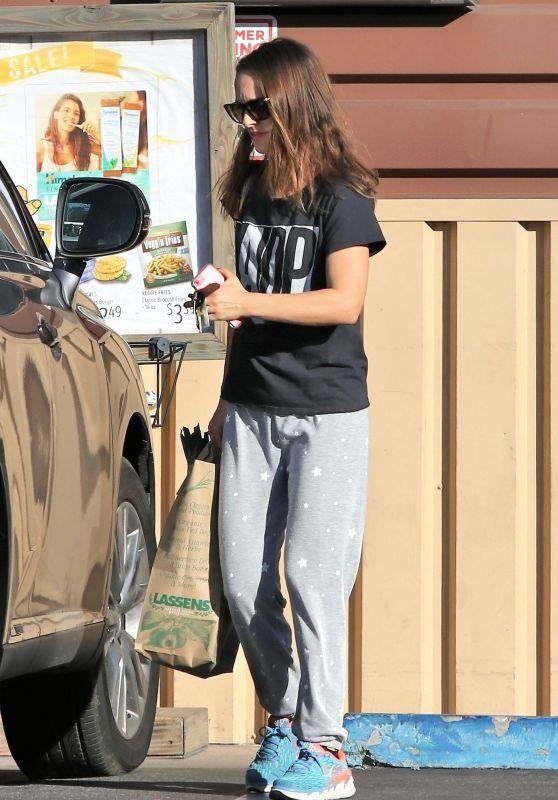 Natalie Portman - Grocery Shopping 01/24/2019