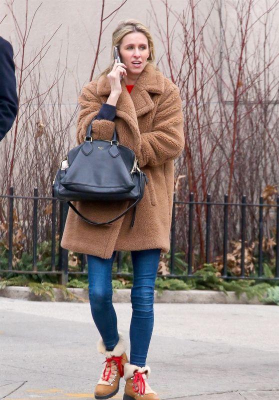 Nicky Hilton Winter Street Style - New York City 01/09/2019