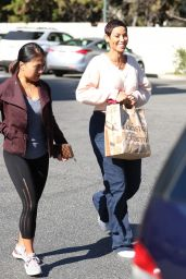 Nicole Murphy at Bristol Farms in Beverly Hills 01/23/2019