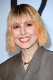 Noomi Rapace – Dior Homme Menswear Show in Paris 01/18/2019