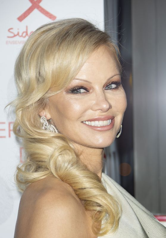 "Pamela Anderson - ""Diner De La Mode"" at Paris Fashion Week 01/24/2019"