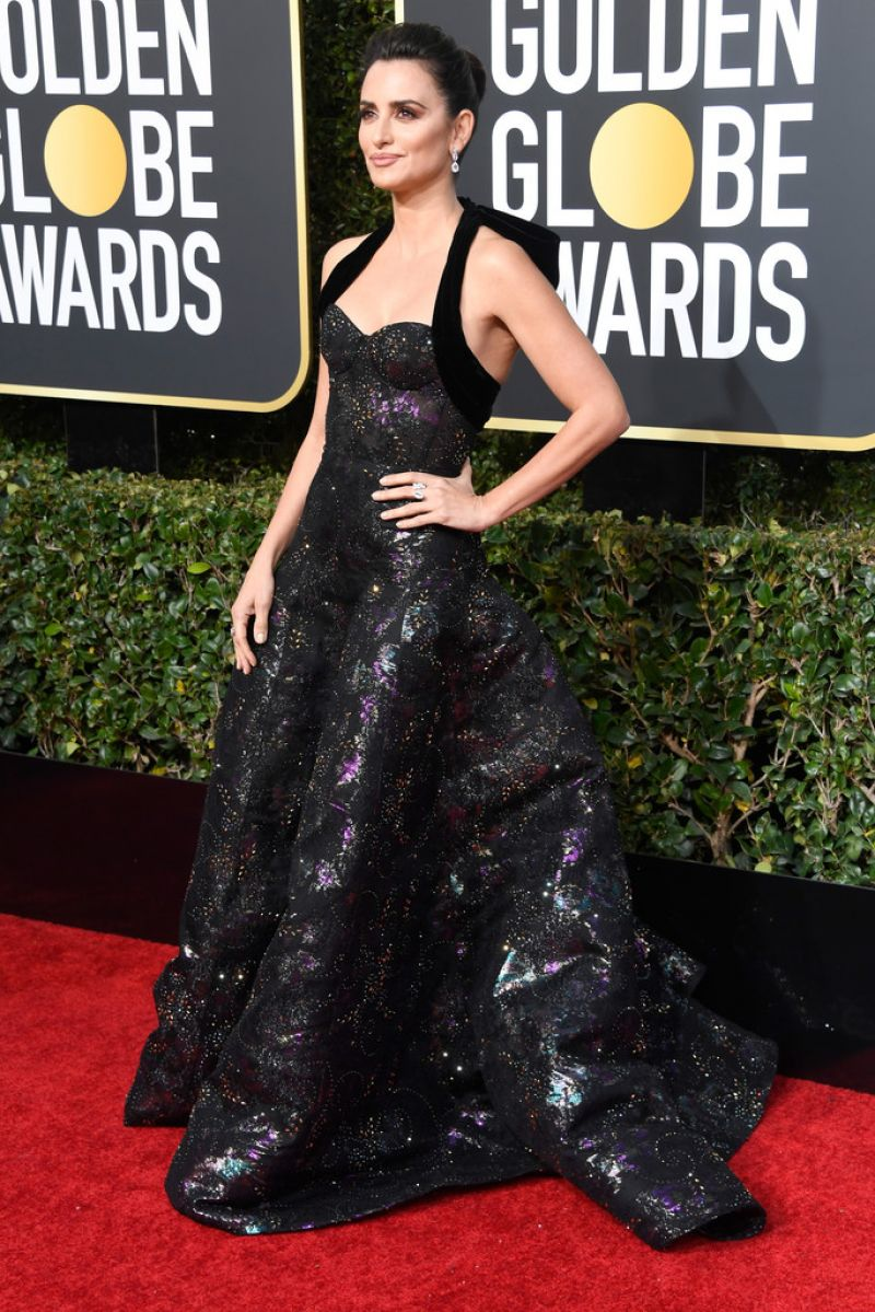 Penelope Cruz 2019 Golden Globe Awards Red Carpet