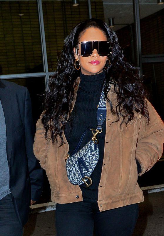 Rihanna Night Out Style 01/15/2019